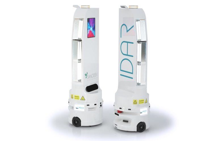 Robot de désinfection par lumère pulsée